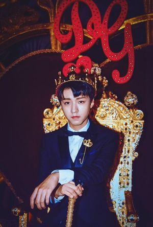 王俊凯 生日快乐💗 Gold Colored Red Portrait Elégance Luxury Studio Shot Only Men Wealth Gold Looking At Camera Karry Karrywang HBD 王俊凯 生日快乐