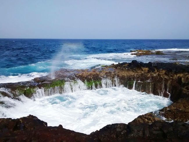 Action! Hanging Out Taking Photos Check This Out Hello World OutsideEnjoying Life Outdoors Rock Formation Nature_collection Movilgrafía Outdoor Photography No People Color Things I Like Azul Seascape Sea Ocean Water Rainbow Wave Water Fountain Canary Islands