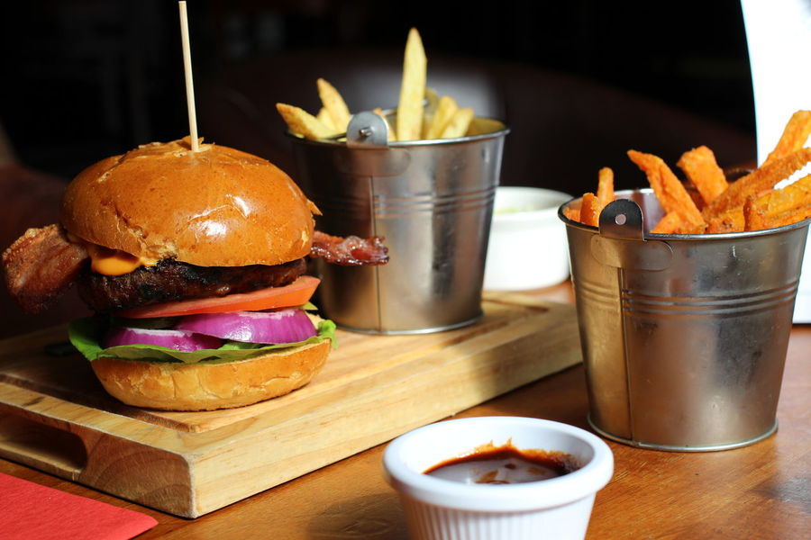 Burger Fries Burger Burgers Close-up Dine Dining Food Food And Drink Freshness Fries! Hamburger Indoors  No People Ready-to-eat Restaurant