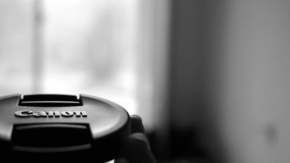 Canon Lenscap Logo Black Canon Lovers Canonlove Canonlovers Canonlover DSLR Photography Cap Engraved Canonphotography Canon EOS 70D Canon 70d Blackandwhite Black And White Black And White Photography Blackandwhite Photography Black & White Blackandwhitephotography Black And White Collection  Black&white