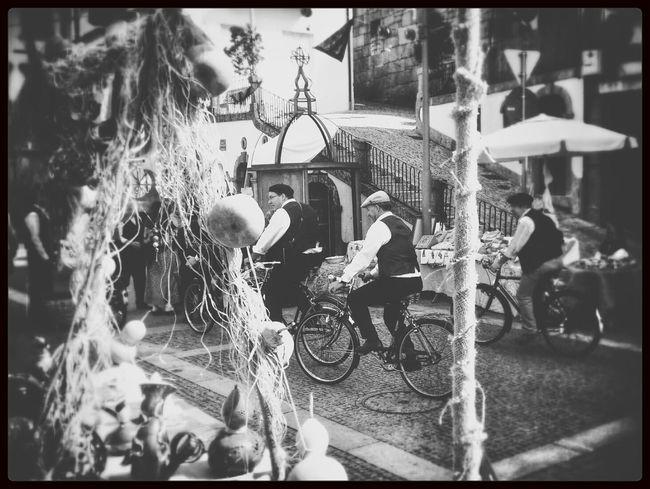 Monochrome Bikers Blac&white  Feira á moda antiga! Amarante