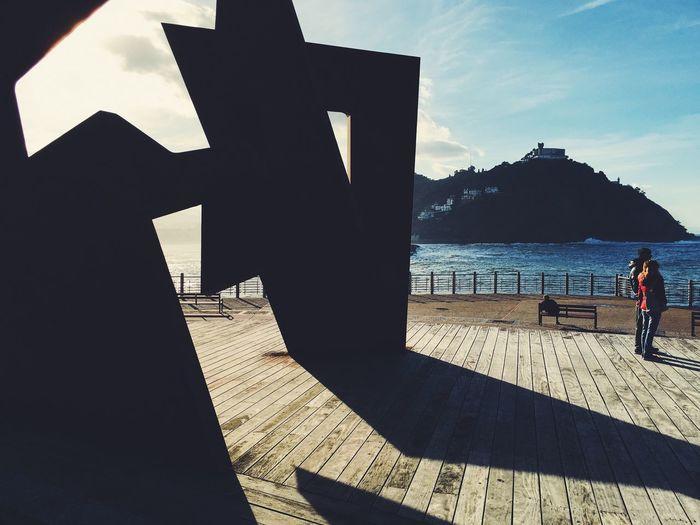 Geometrical lights. Donostia / San Sebastián Euskadi Euskalherria EyeEmEuskalherria Paseonuevo Sun ☀ Lights And Shadows Geometric Shapes