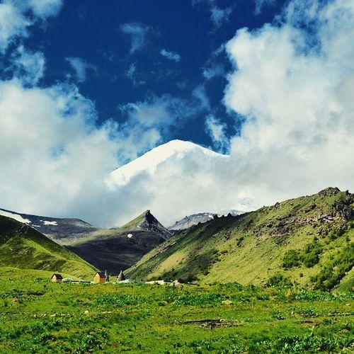 Эльбрус Elbrus Кавказ КавказскийХребет вулкан Natgeoru Natgeo Natgeotravelpic Natgeotravel редкийкадрsandisk