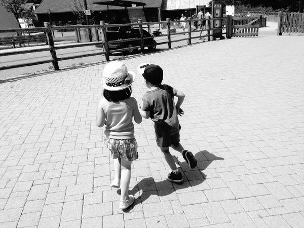 Littlesister OpenEdit Family Blackandwhite EyeEm Best Shots - Black + White Taking Photos Open Edit IPhoneography Summer Cousin