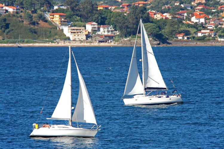 """Sailing"" Localización: Baiona, Pontevedra, Galicia (España). Sailing Sailing Boats Sea Outdoors Baiona Pontevedra Galicia España España🇪🇸 SPAIN Natgeotravelpic EyeEm Best Shots EyeEm Vision Sailboat Lifestyles Photography"