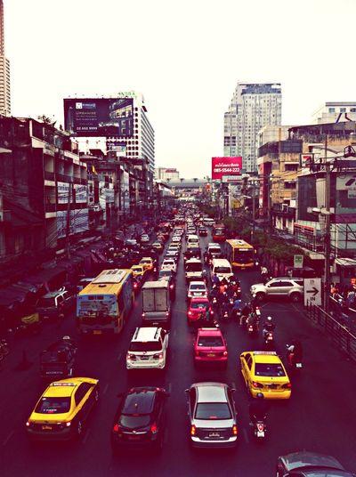 Neve ending line. Bangkok Platunam Bangkok. Traffic City