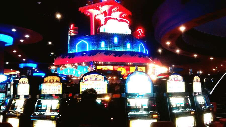 creía conocer el vicio hasta que vi a las viejas copado el casino 24 hs Bitchbettermymoney Viejasduras