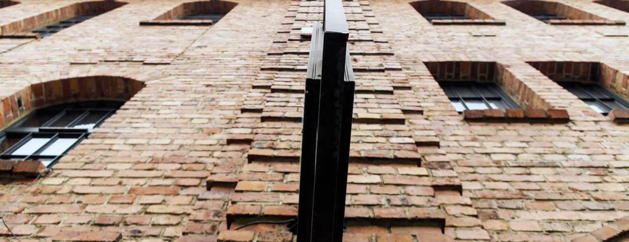 Shape Close-up City Wall - Building Feature Old Roof Residential District House Outdoors No People Day Window Building Wall Brick Wall Low Angle View Brick Built Structure Building Exterior Architecture Sunlight Roof Tile My Best Photo