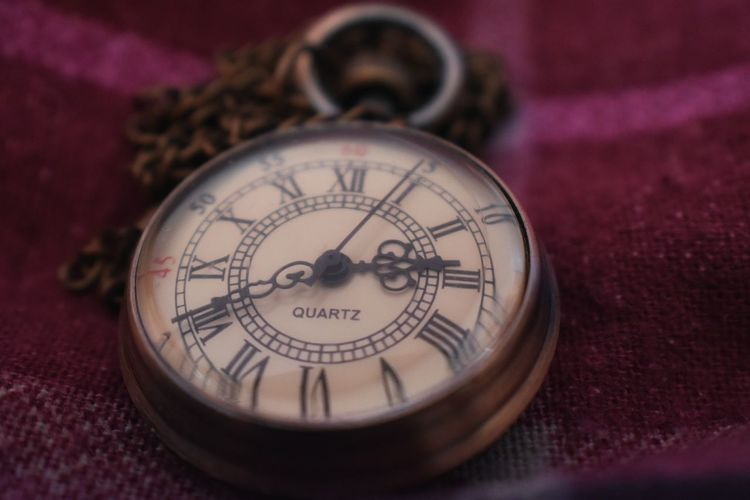 pocket watch Malephotographerofthemonth Macro Photography Close-up Closeup Artistic Expression Clock Face Minute Hand Clock Hour Hand Time Pocket Watch Old-fashioned Watch Clockworks Instrument Of Time Clock Hand
