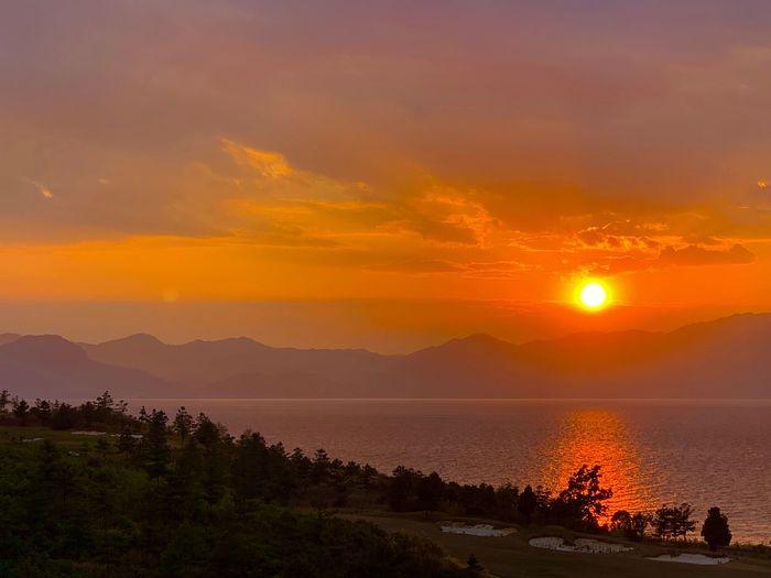 夕阳红 Sunset Sky