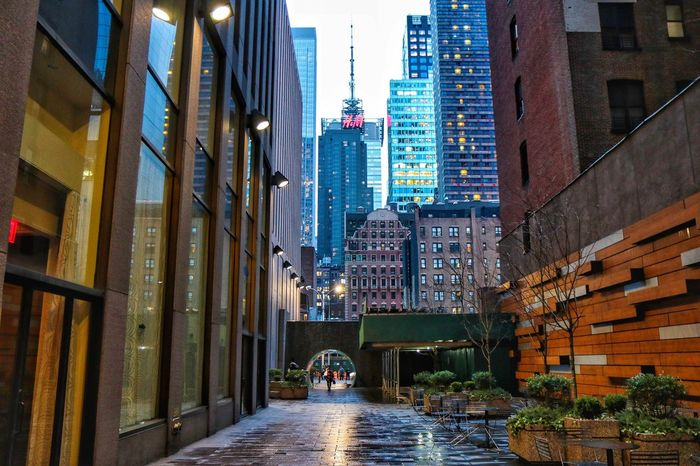 New York Manhattan Rainy Days Architecture Built Structure Building Exterior City Water Residential Building Outdoors Illuminated Day