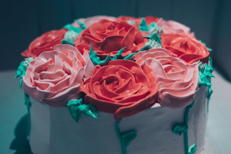 rose flower decorated cake Rosé Flower Close-up No People Pattern Red High Angle View Petal Decoration Temptation Floral Pattern Turquoise Colored Flower Arrangement Cake Dessert Pink Color Red Food Pastry Object Isolated Birthday Backgrounds Icing Baking Holiday Moments