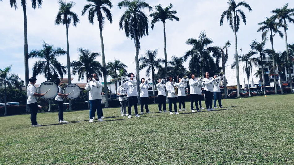 School SchoolBand Schoolfield Field Bandmates Band Practice Underthesun HotSun Malaysia Memories Friendsforever Sweatandtears Happy Photography Photoshoot Photooftheday Love It Day People Secondary School Life Secondaryschool Form5