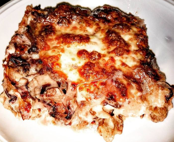 Lasagne al radicchio e salsiccia 😍Food Food And Drink Close-up Meal Ready-to-eat Freshness Indoors  No People Plate Healthy Eating Day Lasagna Lasagne Pasta Foodsmile Foodpics Preparing Food Seafood Lasagnealradicchio Radicchio