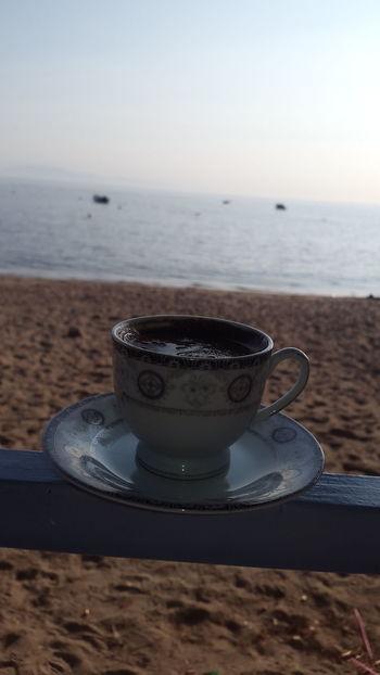 Coffee - Drink Drink Sea Beach Coffee Cup Food And Drink No People Horizon Over Water Heat - Temperature Water Close-up Day Outdoors Mocha Freshness Skylove Türkkahvesi EyeEm Gallery Eye4photography  EyeEm