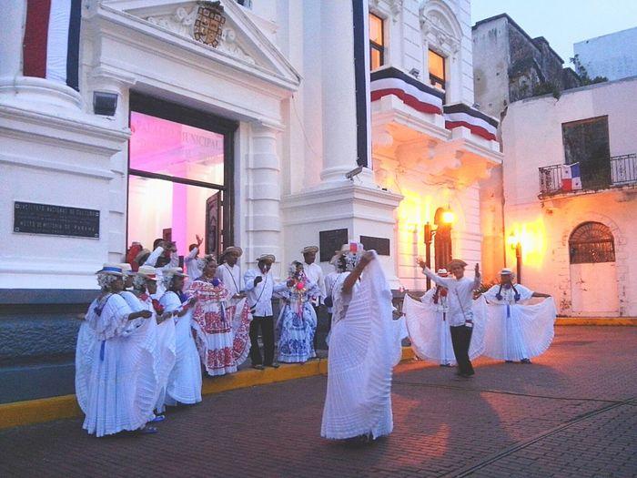 Mes de la patria en mi Panamá Pollera Tricolor PanamaCity Hello World
