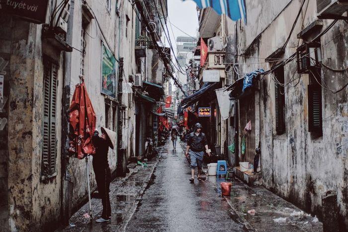 Festival Season HDR Streetphotography Street Hanoi Vietnam Viet Nam Street Corner Street Life Life Of A Traveller Everyday Lives FUJIFILM X-T1 Fuji Battle Of The Cities
