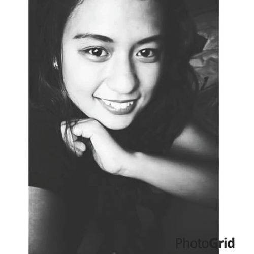 ;)smile make's you beautiful,,even if you had a eyebug😂😂😂👀
