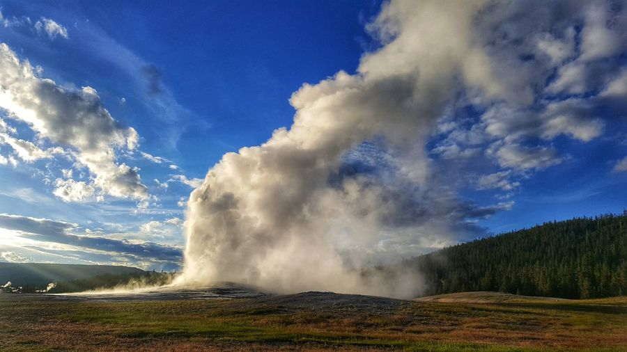 old faithful geyser Yellowstonenationalpark Yellowstone Adventuretime Bewild Camping Backpacking Usnationalparks View Trip Neverstopexploring  Travelstagram Grandprismatic Hotsprings Travelblogger Exploring Colors Traveljunk The Great Outdoors - 2018 EyeEm Awards Water Power In Nature Mountain Waterfall Motion Hot Spring Spraying Sky Cloud - Sky Landscape Geyser Boiling Geology Natural Landmark Emitting Physical Geography Canyon Eroded Volcanic Landscape Erupting Active Volcano Steam Volcanic Activity Volcano Sandstone EyeEmNewHere