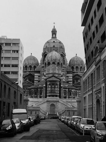 ⛪️ Church Amateurphotography monochrome photography Monochrome Nofilter Architecture Building Exterior Built Structure Mode Of Transportation Motor Vehicle Car Sky Building Transportation City Land Vehicle Dome Travel Clear Sky Travel Destinations Spirituality Day Nature Religion Belief