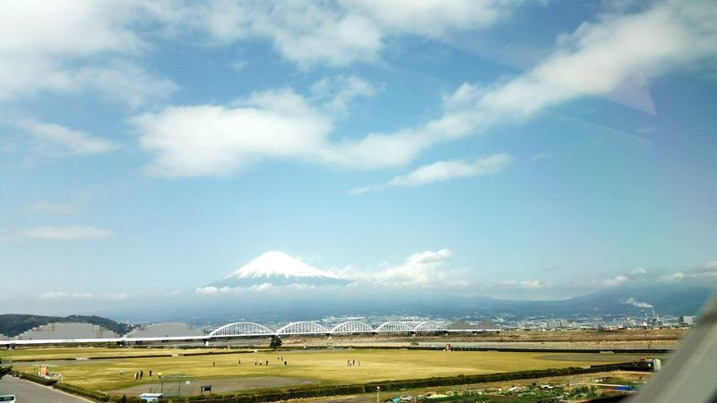 The Great Outdoors - 2016 EyeEm Awards Travel Japan Mt Fuji EyeEm Nature Lover Blue Naturelovers Sky Porn Outdoors The Essence Of Summer From The Train My Commute: inside the Bullet Train; on our way to Tokyo Need For Speed The Following Original Experiences Tokyo, here we cooooome! :) We rode the bullet train from Osaka. Ultimate Japan On The Way