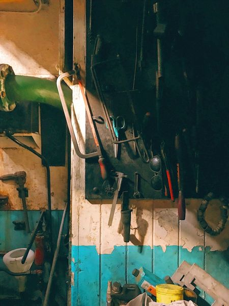 Indoors  Work Tool No People Day Hand Tool Workshop Rustic Interior Detail Engineering Industry Still Life Saw Machinery Tools Toolbox Tool Box Toolkit Engine Room Heavy Metal Machine Room Dirty Job Metal Indoors  Technology Carpenter