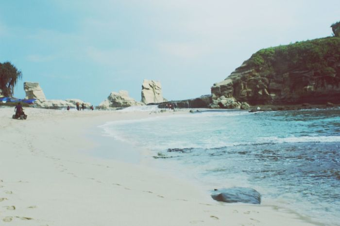 Late post! Klayar beach in Pacitan. Check This Out Visitindonesia Relaxing Beach Photography