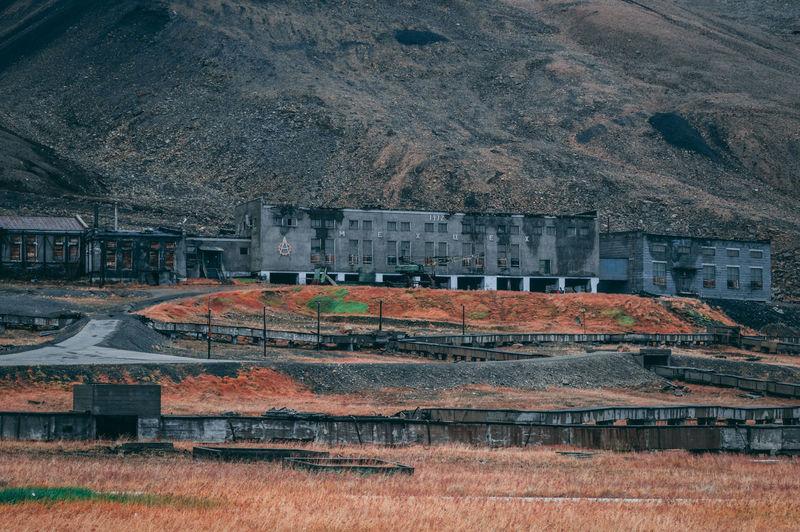 Architecture Derelict Grass Abandoned Arctic Building Isolation Pyramiden Soviet