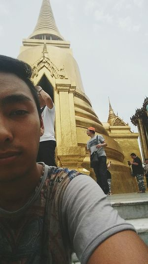 When you're really jetlagged but still try to be a tourist Bangkok Thailand Kingpalace Temple