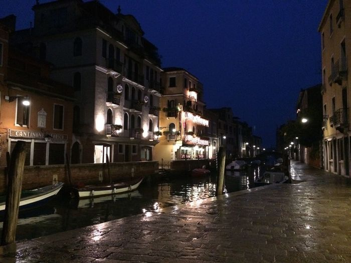 Learn & Shoot: After Dark Venezia Venice Passeggiando Acqua #The Week On EyeEm
