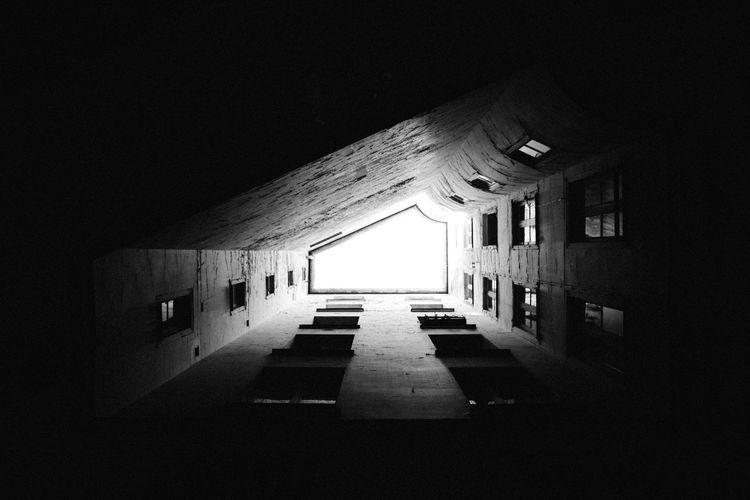 U P ! The Architect - 2017 EyeEm Awards Black & White Light Paris Perspective Shadow The Week On EyeEm Vscocam Welcome To Black