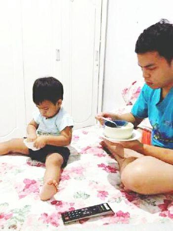 Like father like son 😄 Nephew  Brother LikeFatherLikeSon Babyboy Together Eattime Happysosimple Goldenboy