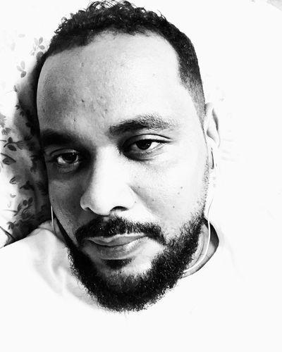 Selfie ✌ Selfies Portrait Self Portrait Selfie Portrait IPhoneography Earpods