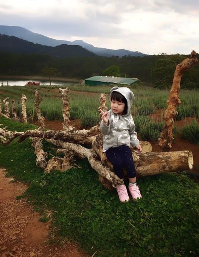 Potrait Landscape One Person Full Length Childhood Front View Plant Real People My Best Photo Leisure Activity Nature Field Lifestyles Child Casual Clothing Sky Females Girls Day Innocence Outdoors