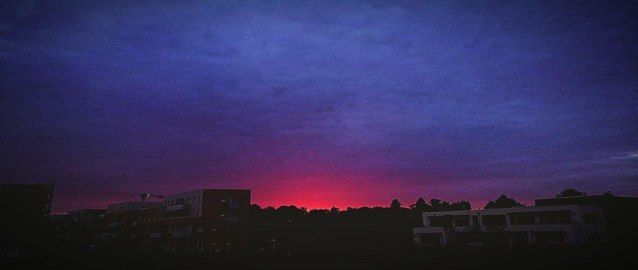 Red Sky Evening EyeEm Nature Lover Kontrast Sunset Light Shine Sunset_collection Redandblue