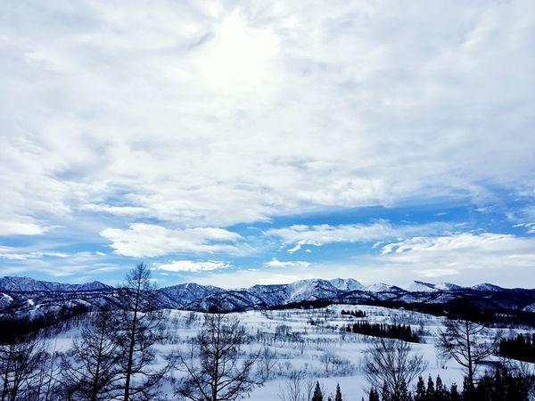 スキー2日目もいい天気です。気持ちがいいけど、暑いくらい。^^; Enjoying Life Skiing Ski Blue Sky Clouds And Sky