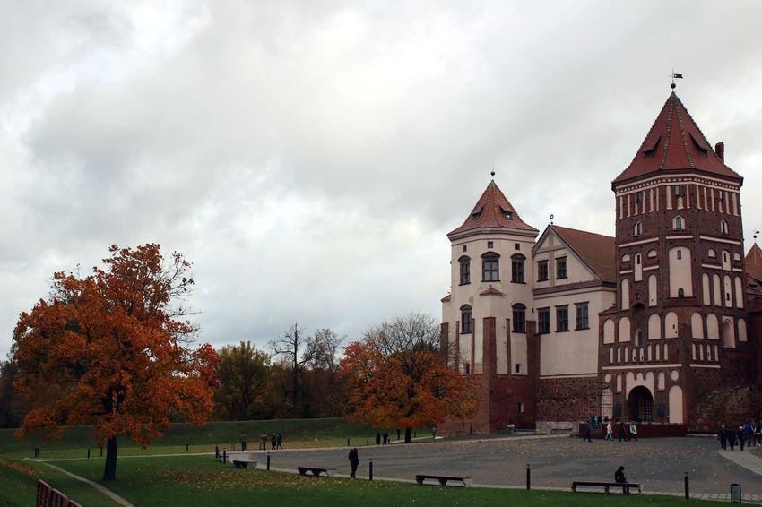Autumn Autumn Colors Belarus Mir Castle Mir Castle In Belarus Beauty In Nature Travel Destinations Tree