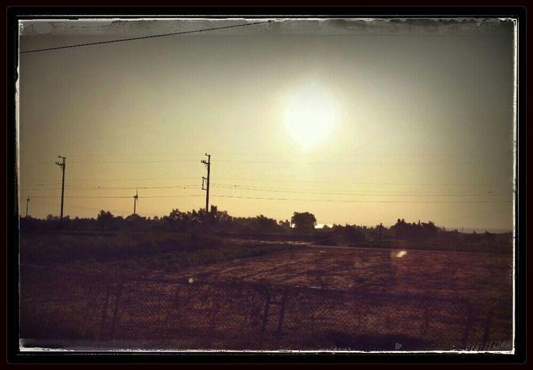 坐火車睡覺之餘也要拍些途中景色。 Train Window 旅の途中