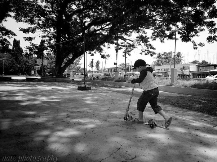 scooter boy #EyeEmNewHere #EyeEm #streetphotography #mobilephonephotography #mobileclick #mobilephotography #EyeemPhilippines #phonephotography #huaweiphotography #huawei #mobile_photography #EyeemPhilippines #eyembestshot #likeforlike #instagood #L4L #MobileShoot #instagood, #tweegram #photooftheday #sketch,#sketchclub,#malen,#painting,#instagram,#picoftheday,#art,#star,#followme,#follow,#pic,#peoples,#aroundtheworld #iphoneasia #instamood #me #iphoneonly #instagramhub #girl #sky #beautiful #love #EyeEmReady #like #like4like #TagsForLikes #TFLers #liker #likes #l4l #likes4likes #photooftheday #love #likeforlike #likesforlikes #liketea #Like #Child