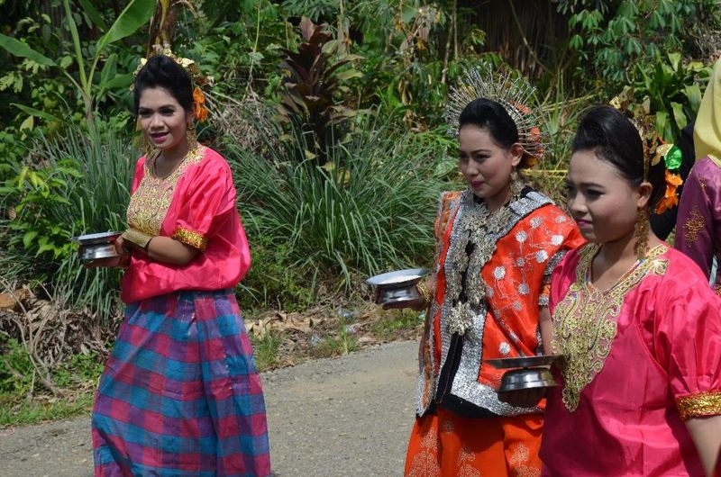 Traditional Clothing Young Women Beautiful Woman Portrait Adat Bugis Tarian Tradisional Sulawesi Selatan Only Women People