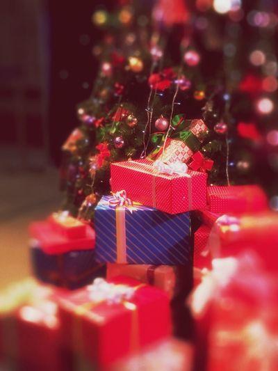 Time to open the presents🎁 Christmas Around The World Christmas Decorations Presents Christmastime MerryChristmas Christmas Spirit Christmas Lights Christmas Day Joyeux Noël Joyeux Noël**Marry Chrismas**Feliz Natal Peace