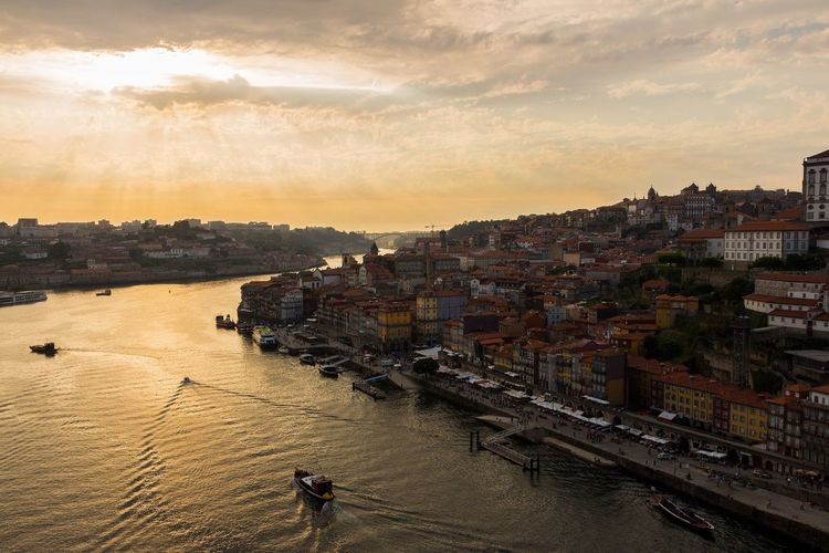 Porto Portugal Ponte Luis I Bridge View City Urban Sunset Fluss River Boat Travel Discover Your City EyeEmNewHere EyeEmNewHere
