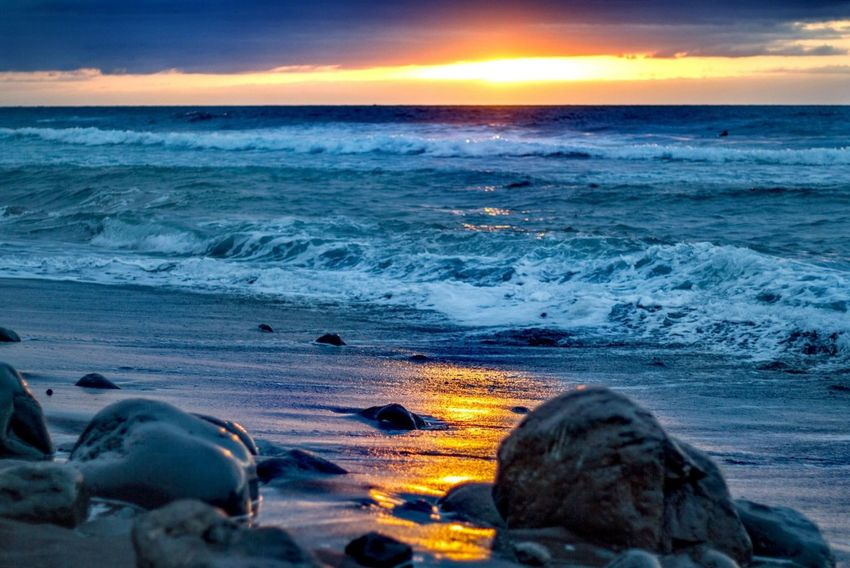 Sunset Sea Beach Nature Beauty In Nature Wave Dramatic Sky Outdoors Landscape Sunlight Blue Sky Nature Photography 50mm 1.8 Lifestyles Natureza 50mm Beauty In Nature Nature Water Wildlife Personal Perspective EyeEm Selects