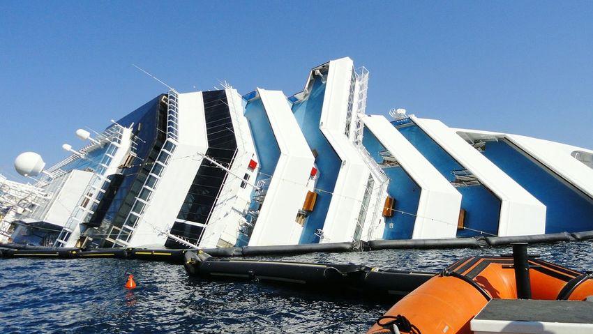 Ships Ship Isola Del Giglio Costa Concordia Drowned