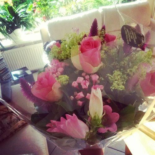 Mooie bloemetjes gekregen van me papa!! Bloemen Cadeautje Geslaagd