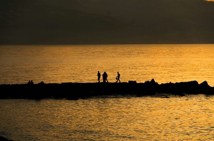 Silhouette Silhouettes Water_collection Sea Sunset Sunset_collection Water Reflections Check This Out EyeEm Best Shots Light And Shadow