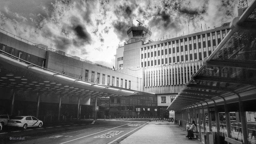 Terminal 2, Aeropuerto Internacional Adolfo Suárez Barajas, Madrid, España.