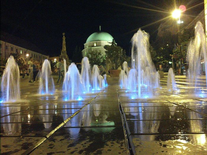 Fountain in front of fountain