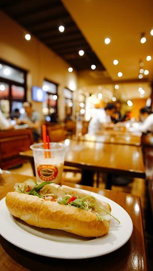 Banh mi thit Vietnam Food And Drink Ready-to-eat Day Indoors  Streetfood Photoshoot Photography Vietnam Vietnamese Food Indoors  Food And Drink No People Ready-to-eat Day First Eyeem Photo
