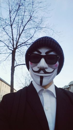 Anynomous HalloweenCostume V For Vendetta Costume Party Self Portrait Sunglasses Jacket Anonymous Mask Halloween2015 Halloween_Collection